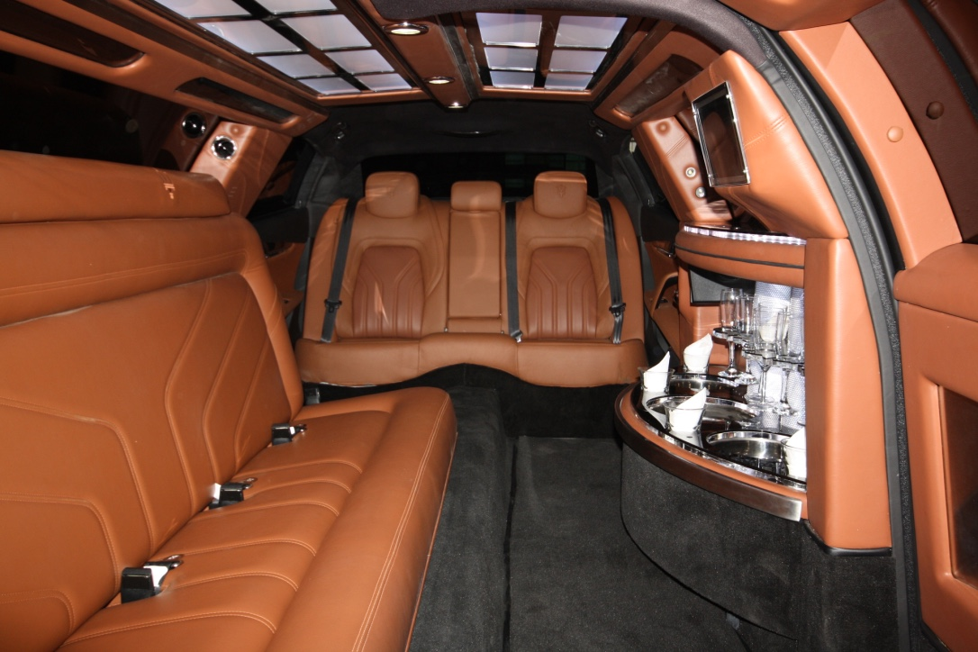Maserati inside_brown